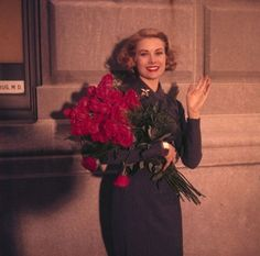 """Grace Kelly leaving NY.......IT WOULD TAKE A LOT OF COURAGE TO LEAVE YOUR HOME COUNTRY, YOUR FRIENDS AND FAMILY TO """"BLIND-EYE"""" MARRY INTO A FOREIGN EXISTENCE...........ccp"""