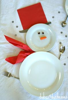 Setting a snowman table for the holidays - oh my cuteness!!!!!