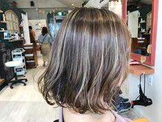 バレイヤージュカラー Short Hair Dos, Short Hair Styles, Medium Bob Cuts, Hair Inspo, Hair Inspiration, Short Hair Cuts For Round Faces, Bob Hair Color, Hair Dye Colors, About Hair