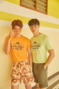 Pretty Boys, Cute Boys, Wallpaper Casais, K Pop, Isak & Even, Gay Aesthetic, Pose Reference Photo, Cute Gay Couples, Thai Drama