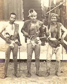 Maute – ISIS Islamic State and Al Qaeda (ISIL /IS/ Daesh) Franchise group and Marawi Siege of Islam and Muslim in the Philippines in Southeast Asia – Pacific Krav Maga Kids, Learn Krav Maga, Philippines Culture, Philippines Dress, Art Of Fighting, Love You Friend, Mindanao, Internet, Martial Artist