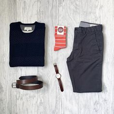Gloomy one out there today. Sweater, chinos, belt: @frankandoak Socks: @bedfordbroome via @sprezzabox Watch: @originalgrain ——————————————— #mitchyasui #originalgrain #frankandoak