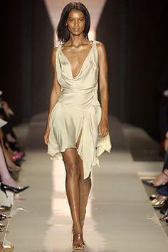 Donna Karan Spring 2004 Ready-to-Wear Fashion Show - Donna Karan, Liya Kebede