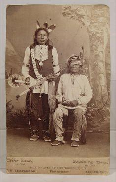 1880's NATIVE AMERICAN SIOUX INDIAN CHIEF RUNNING BEAR CABINET CARD PHOTO    Rare Original Photo of Chiefs Crow Man & Running Bear