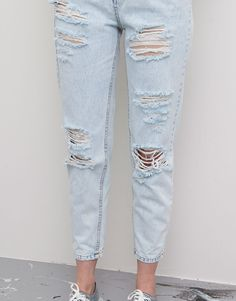 RIPPED JEANS - PALE BLUE