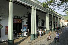 Foto:OLIVER GERHARD/AGE Honda, Street View, Country, Trips, Beautiful, Colombia, Barichara, Villa De Leyva, Wonders Of The World