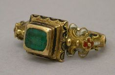 16th century ring from Italy, gold, possibly emerald and enamel.