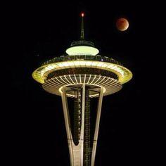 Incredible Lunar Eclipse, Space Needle, Seattle WA, 12/21/10