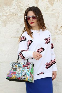 Un look tra pop art e revival anni'80 con l'iconica Barbie per la fashion blogger di Inside Me - Annalisa Masella che indossa un gioiello Luca Barra così versatile da adattarsi a qualsiasi tipo di outfit! Nel suo post parla anche del suo soggiorno in Costiera Amalfitana al Meeting Brand Luca Barra e del concorso pensato per tutti quelli che amano questi gioielli. #bestfashionblogge