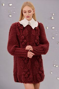 Shop&Watch online at: www.patipasek.com  #handmade #chunky knits #chunky wool #long jumper #oversize jumper Photo: Koty2Photostorytellers