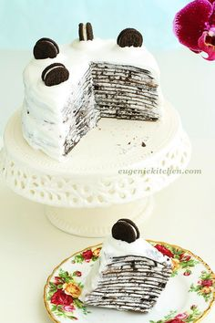 Oreo Mille Crepe Cake - Eugenie Kitchen - could so make this with PB cups - yummo Cupcakes, Cake Cookies, Cupcake Cakes, Mille Crepe, Oreos, Crêpe Recipe, Just Desserts, Delicious Desserts, Baking Recipes