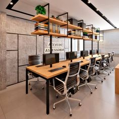 Design for an accounting office with an industrial footprint. What ac … – OF… Design for an accounting office with an industrial footprint. What ac … – OFFICE / Büro – Open Office Design, Open Space Office, Industrial Office Design, Corporate Office Design, Office Designs, Office Spaces, Design Room, Café Design, Design Studio