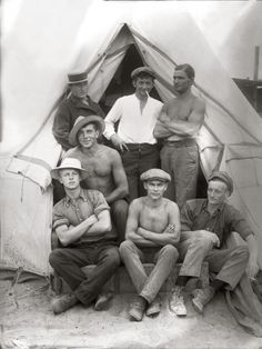 Île Torren, 1915. By Paul Dubotzki. In 1914, young German and Austro-Hungarian men in South Australia were interned on Torrens Island in a tent city surrounded by barbed wire. Its official name was the Torrens Island Concentration Camp.
