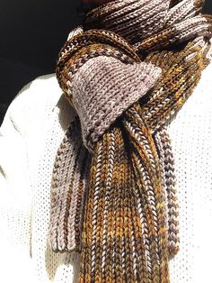 Bloemenvelden Scarf by Nancy Marchant. malabrigo Arroyo in Glitter and Sandbank colorways. Published in Knitting Brioche.