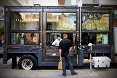 Del Popolo Mobile Pizzeria   ร้านพิซซ่าเคลื่อนที่    ติดตามเรื่องราวไอเดียดีๆได้ที่ wakeupidea.com