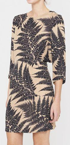 Stella McCartney Beige And Black Dress Love Fashion, Spring Fashion, Fashion Beauty, Womens Fashion, Nu Goth, Grunge, Stella Mccartney Dresses, Casual Outfits, Cute Outfits