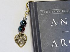 Mom Bookmark.  Wavy goldtone bookmark with dangling glass beads and Mom in a heart pewter charm.  Mothers Day Small gift by NammersCrafts on Etsy