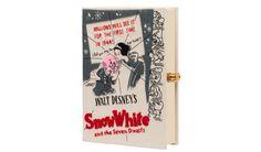 Minaudière-livre, Olympia Le-Tan x Disney, 1330 euros, limitée à 77 exemplaires et bientôt disponible sur Net-A-Porter http://www.vogue.fr/mode/le-sac-du-week-end/diaporama/les-pochettes-olympia-le-tan-x-disney/21159#!7
