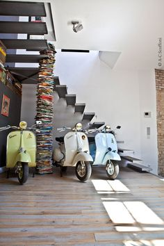 vespa's and books, a pretty good combination