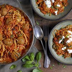 Eat Well for Less Meatballs & Pasta Sauce Recipe Pasta Sauce Recipes, Beef Recipes, Healthy Recipes, Meatball Recipes, Healthy Meals, Bbc Good Food Recipes, Dinner Recipes, Dinner Ideas, Yummy Food