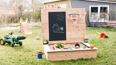 A special sandbox is best for young children! Learn to create a blackboard sandbox yourself in this tutorial. Source by metallbaumerz The post Do it yourself Build a sandbox: step by step for game paradise appeared first on Wooden. Kids Outdoor Play, Outdoor Play Spaces, Backyard For Kids, Outdoor Fun, Diy For Kids, Outdoor Games, Water Games For Kids, Indoor Activities For Kids, Family Activities