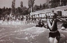 Купание в море. Артек, СССР, 50-е