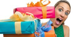 Learning how to save money on Christmas gifts is simple if you arm yourself with some expert gift-buying strategies. Special Gift For Boyfriend, Boyfriend Gifts, Latest House Designs, Cheap Gifts, Gifts For Boys, Special Gifts, Design Trends, Saving Money, Friendship