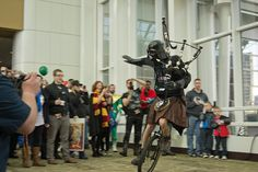 Darth Vader in a Kilt playing bagpipes on a unicycle. Street performer of the year. I Love To Laugh, Make You Smile, International Men's Day, Scottish Kilts, Unicycle, Men In Kilts, Star Wars Humor, Sci Fi Fantasy, The Funny