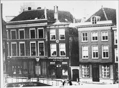 Aalmarkt, Leiden around 1900 Leiden, Belle Epoque, Old Pictures, Holland, Past, City, Building, The Nederlands, Antique Photos