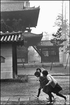 Kyoto, Japan 1965 Henri Cartier-Bresson. my favorite photographer.