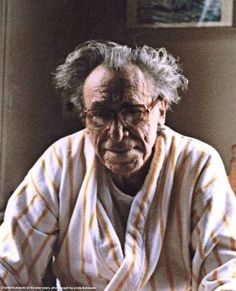 Retrato: Charles Bukowski, escritor y poeta estadounidense  ⏰