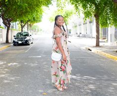 If you are looking for bold prints for the sun season, this maxi floral print dress is perfect for the summer and for almost any occasion. Bold Prints, Floral Prints, Hello July, Blog, Fashion Tips, Inspiration, Dresses, Fashion Hacks, Floral Patterns