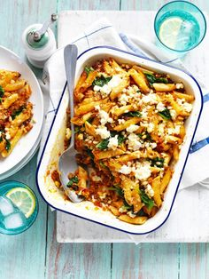 Make a healthy sweet potato pasta bake recipe with this easy pasta bake idea using spinach and pine nuts. This lean recipe uses low-fat mince. This pasta bake recipe using ricotta with sweet potato is a great weeknight meal that can be frozen. Sweet Potato Pasta, Sweet Potato Recipes, Vegetarian Recipes, Cooking Recipes, Healthy Recipes, Fast Recipes, Vegetarian Pasta Bake, Healthy Pasta Bake, Vegetable Pasta Bake