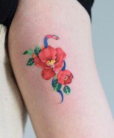 Tattoos by Zihee Tattoo from Seoul - TheTatt Snake And Flowers Tattoo, Snake Tattoo, Flower Tattoos, Unique Tattoos For Women, Unique Tattoo Designs, Korean Tattoos, Asian Tattoos, Pretty Tattoos, Beautiful Tattoos
