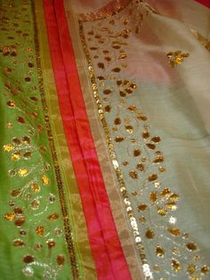 gota patti salwar suits - Google Search Western Dresses, Indian Dresses, Indian Outfits, Indian Clothes, Embroidery Services, Custom Embroidery, Embroidery Designs, Indian Kurta, Indian Blouse