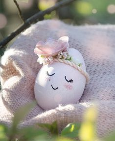 Ein zauberhaft süßes Osterei versprüht gute Laune bei jedem Osterfest, jetzt selbst machen 👉🏻 Princess, Instagram, Diy, Photography, Good Mood, Creative, Dekoration, Crafting, Photograph