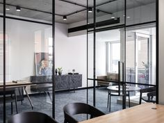 Interior Design - Zavie Creative, Builder - Alliance Project Services, Photography - Tom Ferguson  #zaviecreative #interiordesign #commercialdesign #officedesign #workplacedesign #workplacecollaboration #glasspartition #functionalspaces
