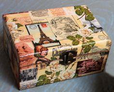 Caixa de jóias de madeira, presente elegante.  caixa de decoupage, caixa chique, Paris decoração, casa decoração, arte da caixa, feito à mão, envelhecido artificialmente