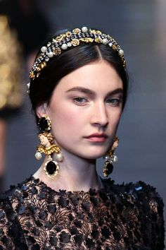 DIY Bedazzled Headbands Inspired by Dolce & Gabbana: Yes, Please!