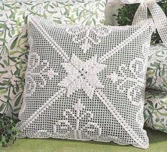 almofada estrela branca em croche com receita