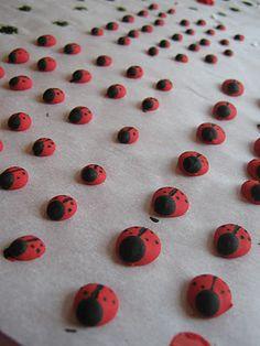 Rindy Mae: Royal Icing Ladybugs