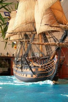 Maritime Style Decorating with Nautical Decor HMS Victory Model Sailing Ships, Old Sailing Ships, Model Ship Building, Boat Building, Mercedes Stern, Model Warships, Scale Model Ships, Black Pearl Ship, Hms Victory
