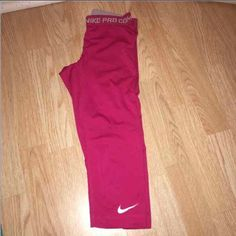 Nike Pro Combat Capri XS In good condition just do not wear. Size XS in women's. Nike Pants Capris
