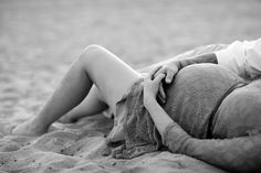 Huntington Beach Maternity Photos - Alisha Marie Photography. Para nuestras amigas embarazadas.
