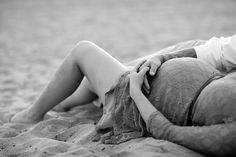 Huntington Beach Maternity Photos - Alisha Marie Photography. Para nuestras amigas embarazadas.