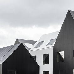 The Frederiksvej Kindergarten progettato dagli architetti danesi COBE è stato ufficialmente inaugurato il 4 febbraio 2016. Il nuovo asilo si compone di 11 piccole case con spazi per il gioco, organizzate attorno a due giardini d'inverno, un villaggio sicuro e divertente per 182 bambini.