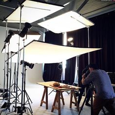 Awesome BTS and Repost Added by us: Photography Lighting Techniques, Photography Lighting Setup, Portrait Lighting, Photo Lighting, Natural Light Photography, Studio Lighting Setups, Studio Setup, Cinematic Lighting, Lighting Diagram