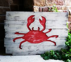 Beach Decor - CRAB - Reclaimed Wood Wall Hanging - FREE shipping