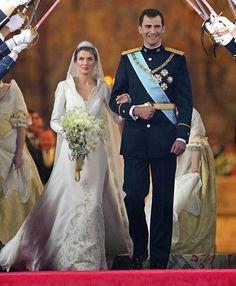 The Royal Order of Sartorial Splendor: Wedding Wednesday: Princess Letizia's Gown
