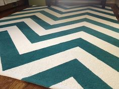 Chevron rug DIY: how to paint a cheap IKEA rug.